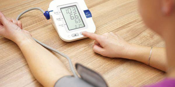 6 métodos naturais para controlar a pressão baixa - Preço de Convênio